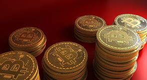 bitcoins dell'oro che mettono su superficie riflettente, rappresentazione 3d Fotografie Stock Libere da Diritti