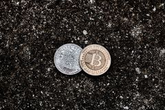 Bitcoins dell'oro e dell'argento Fotografie Stock