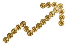 Bitcoins deu forma como uma escalada acima da seta com trajeto de grampeamento Foto de Stock Royalty Free
