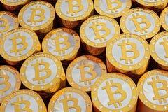 Bitcoins dorato Illustrazione Vettoriale