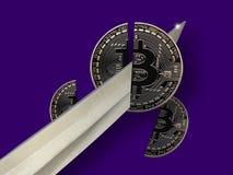 Bitcoins ha tagliato a metà immagini stock