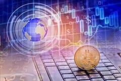 Bitcoins i Nowy Wirtualny pieniądze pojęcie Złociści bitcoins z świeczka kija wykresu mapą i cyfrowym tłem zdjęcie stock