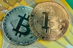 Bitcoins para euro- euro aos bitcoins imagens de stock