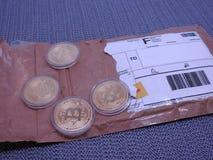 Bitcoins per post wordt ontvangen dat stock foto