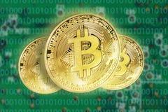 Bitcoins pojęcie z elektrycznym obwodem Obraz Royalty Free