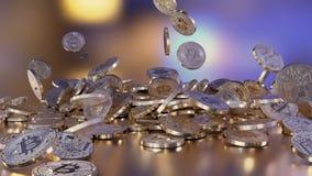 Bitcoins que cai em uma pilha ilustração do vetor
