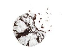 Biten hemlagad choklad rynkar kakan pudrat socker royaltyfri fotografi
