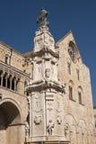 Bitonto (Apulia, Italien) - Kathedrale Stockfotos
