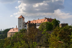 Bitov Mittelalterliches Schloss in Moray lizenzfreie stockfotografie