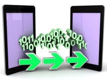 Bits y bytes de transferencia de datos del teléfono al teléfono Fotografía de archivo libre de regalías