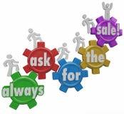 Bitten Sie immer um die Verkaufs-Leute-kletternden Gänge nah behandeln Lizenzfreie Stockbilder