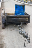 Bitumenemulsion i stålvals på släpet 2 Arkivfoto