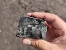 Bituminös - Anthrazitkohle, Kohle der hohen Qualität an Hand stockbild