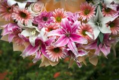 Biuquet del fiore artificiale della miscela Fotografie Stock