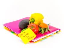Biur warzywa i dokumenty; No Pracuje Zbyt Mocno Zdjęcie Royalty Free