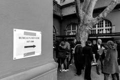 Biura de głosowanie głosuje sekci Francja queu Obrazy Royalty Free