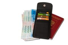 Biurko częsty podróżnik - kąta widok Skład rzeczy niezbędne dla wycieczki: paszport z wieloskładnikowego wejścia znaczkami, cudzo zdjęcia stock