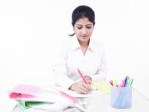 biurko kobiety jej biurowy działanie Zdjęcie Royalty Free