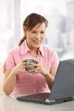 biurko target1416_0_ biurowego herbacianego pracownika obrazy stock
