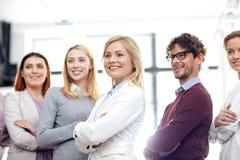 biuro biznesowa szczęśliwa drużyna obraz stock