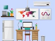 Biuro z biurkiem Półka na książki i komputerowy płaski projekt Zdjęcia Royalty Free