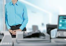 biurowa biznesmen drukarka Zdjęcie Royalty Free