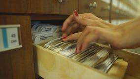 Biurowe kartoteki, Use segregowania system Niezwykle zbiory wideo