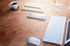 Biurowego biurka drewna stół Biznesowy miejsce pracy i biznesowy przedmiot Obrazy Royalty Free