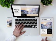 biurowej tabletop podróży projekta wyczulona strona internetowa fotografia stock