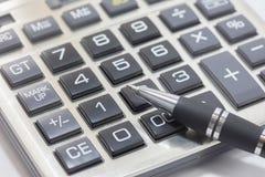 biurowy kalkulatora pióro Obraz Royalty Free