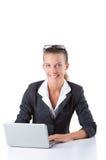 Biurowy kierownik pisać na maszynie na laptopie odizolowywającym na bielu Obraz Stock