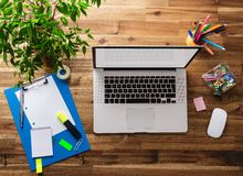 Biurowy miejsce pracy z laptopem Zdjęcia Stock