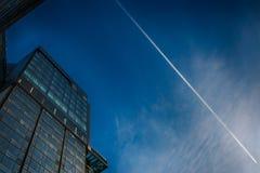 Biurowy szklany budynek w abstrakcie Zdjęcie Stock