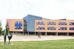 Biurowy, uniwersytecki budynek/ obrazy stock