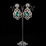 Biżuteria kolczyki z klejnotami Obrazy Royalty Free