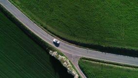 Bivio, intersezione - zona agricola, vista aerea video d archivio