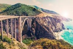 Bixby在高速公路1的小河桥梁在美国西海岸 免版税库存照片