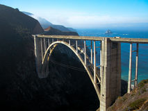 Bixby Brücke und jenseits lizenzfreies stockbild