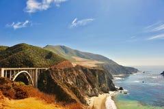 Bixby-Nebenfluss-Brücke, Kalifornien lizenzfreie stockfotos