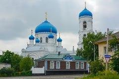 Biysk domkyrka av antagandet av den välsignade jungfruliga Maryen Royaltyfri Fotografi