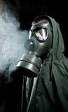 Bizar portret van de mens in gasmasker royalty-vrije stock afbeelding