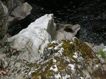 Bizarre rotsvormingen, Randolphs-Sprong, Findhorn-Rivier, Schotland, het UK Stock Foto's