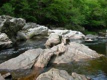 Bizarre rotsvormingen, Randolphs-Sprong, Findhorn-Rivier, Schotland, het UK Stock Foto