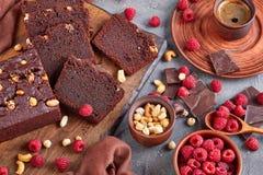 Bizcocho del alforfón del chocolate cortado en rebanadas imagen de archivo libre de regalías