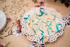 Bizets azuis deliciosos luxuosos na celebração do aniversário, sobremesa do prazer, partido de abastecimento em um restaurante Fotografia de Stock