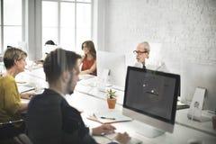 Biznes drużyny kontakt my Helpdesk interneta pojęcie fotografia stock