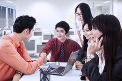 Biznes drużynowa zgoda w biurze Obraz Stock