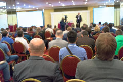 biznes przewodniczy konferencyjnego biurko odizolowywającego nad biel Fotografia Royalty Free