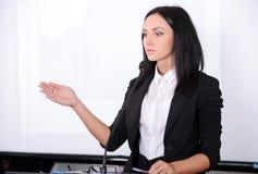 biznes przewodniczy konferencyjnego biurko odizolowywającego nad biel Zdjęcie Stock