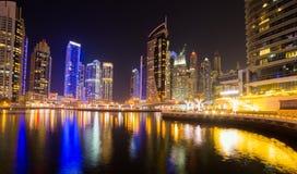Biznes zatoka, Dubaj, Zjednoczone Emiraty Arabskie Nighttime linia horyzontu Fotografia Stock